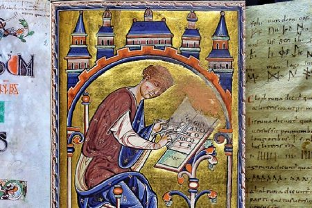 Collecting Collections: Analysing Alphabets in Medieval Manuscripts